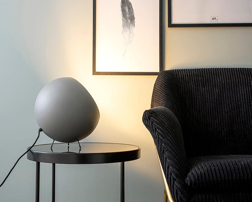 STOLNÍ LAMPA XL BELL ŠEDÁ