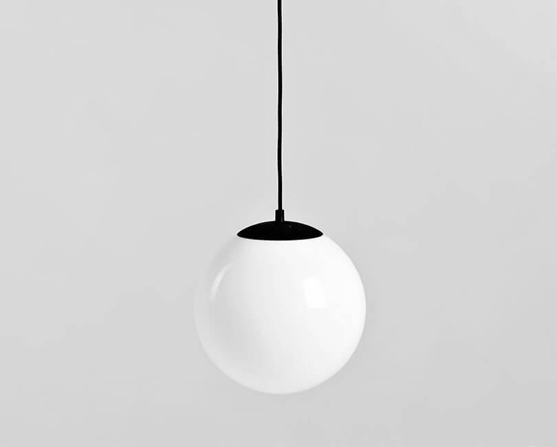 STROPNÍ LAMPA MANEN BÍLÁ M