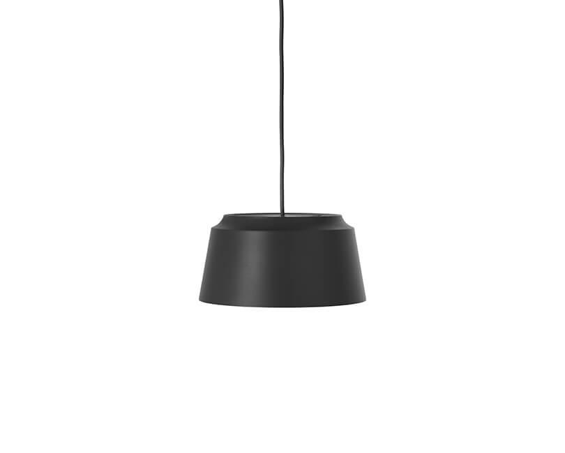 STROPNÍ LAMPA GROOVE 26X26 ČERNÁ