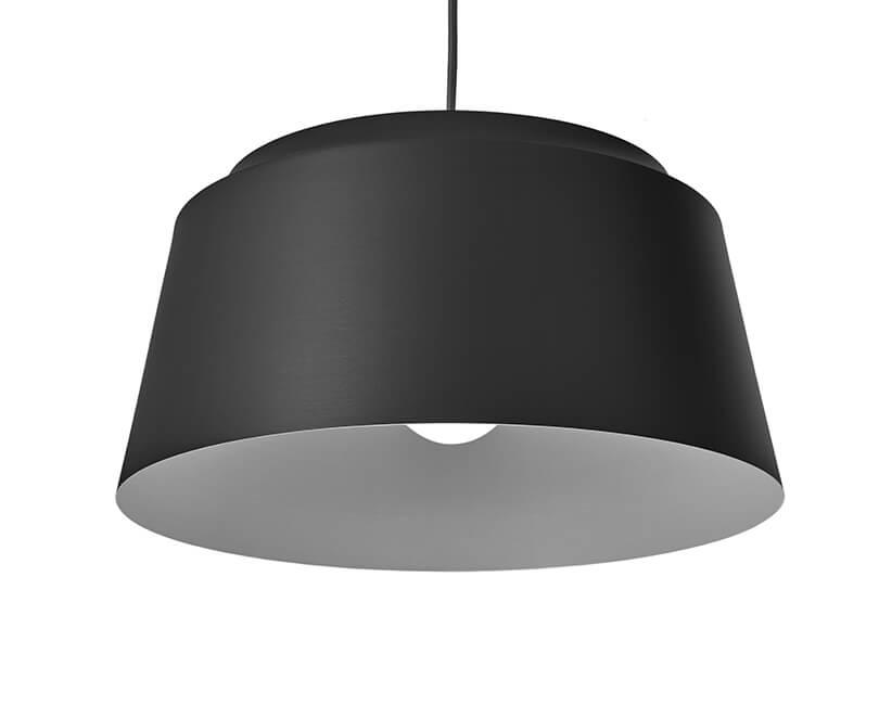 STROPNÍ LAMPA GROOVE 40X40 ČERNÁ