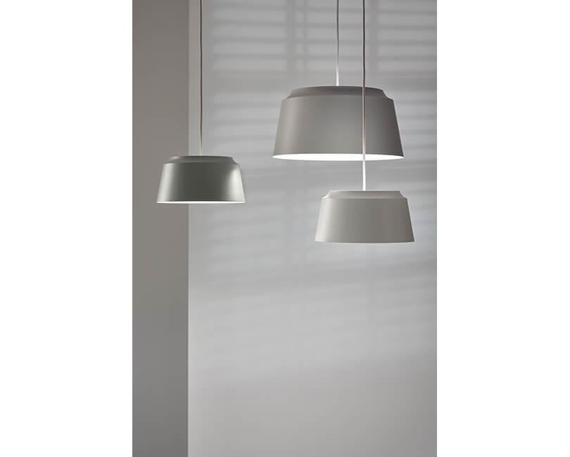 STROPNÍ LAMPA GROOVE 40X40 ŠEDÁ