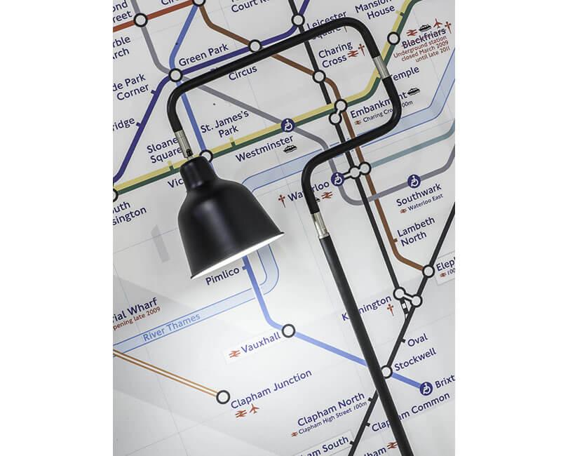 STOJÍCÍ LAMPA LONDON ČERNÁ