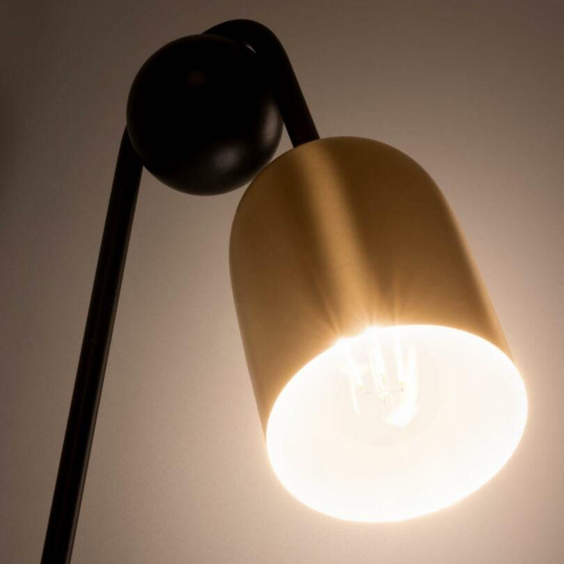 NÁSTĚNNÁ LAMPA NATSUMI ZLATÁ