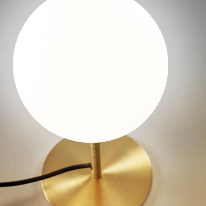 STOLNÍ LAMPA MAHALA