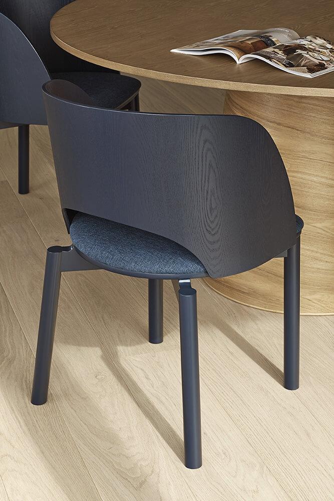 Teulat_Dam_Chair_Blue_Detail_2