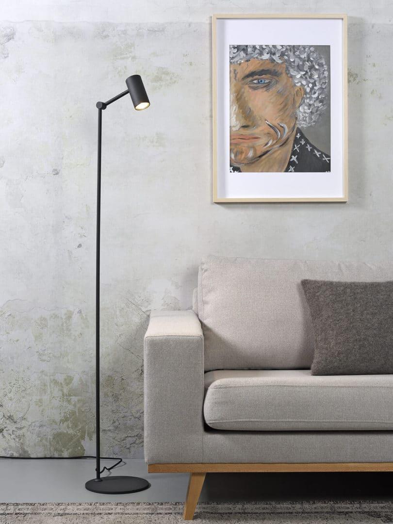 STOJÍCÍ LAMPA MONTREAUX LED ČERNÁ